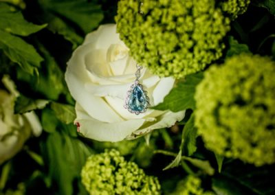 Before the ceremony: Something blue – the diamond/aquamarine collier of the bride.