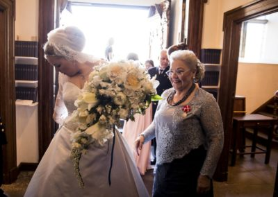 Before the ceremony: Entering Holmen's Church – the bride, the mother of the bride & the entire following of bridesmaids and supporting staff.