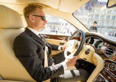The Wedding Ceremony: Throughout the wedding days, Thomas (d'Angleterre / cphlimo.com) was the perfect driver.