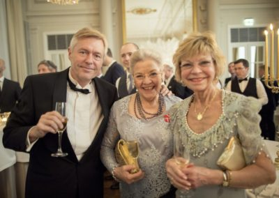 The Reception: The mother of the bride (center) with the bride's godmother, countess Anne de Suiza and Tommy Skaare.