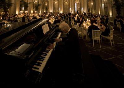 Dinner: The Dinner/Pianist Henrik Schouw.